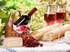 用葡萄酒来点缀你精致的生活